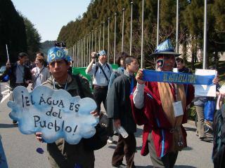 OscarOliverael agua es del pueblo